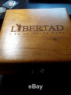 2011 Mexico 1 kilo Silver Libertad BU Wood Box East Coast Coin & Collectables